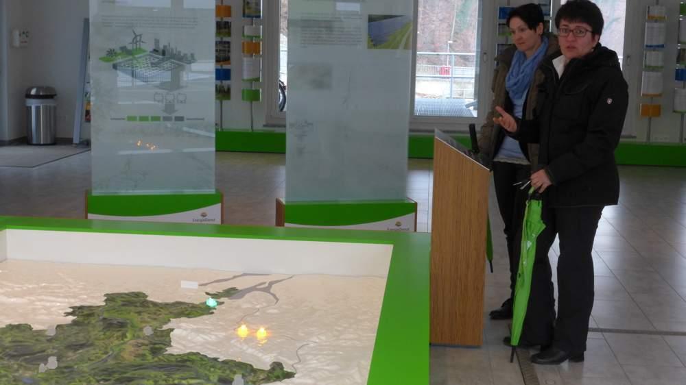 Im Besucherzentrum wird die komplexe Technik bei Energiedienst verständlich erklärt.